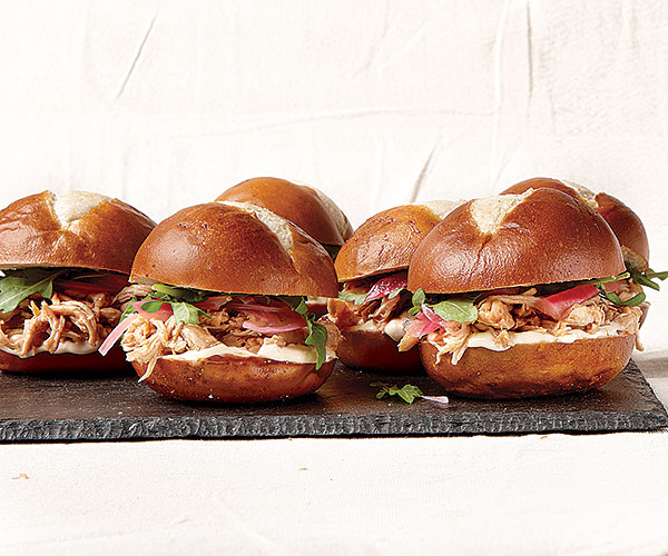 Pale Ale Pulled-Chicken Sliders