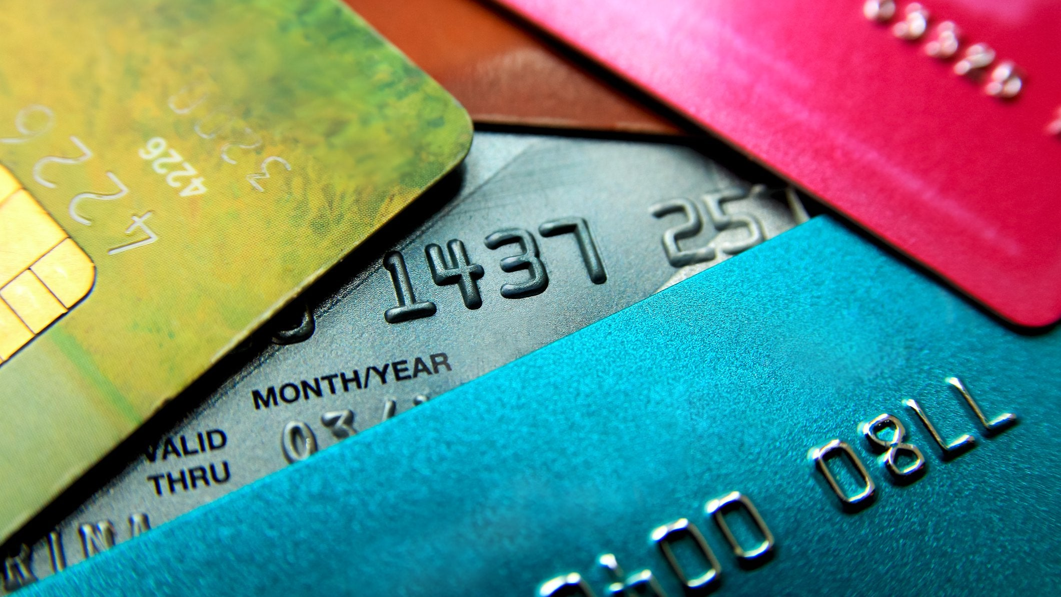 What is credit card debt and how to deal with it?